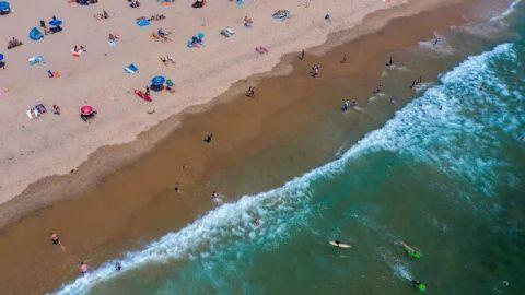 Por derrame de aguas residuales cierran 4 playas en Los Ángeles