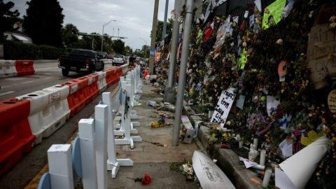 Aumenta a 96 cifra de muertos por derrumbe de edificio en Miami