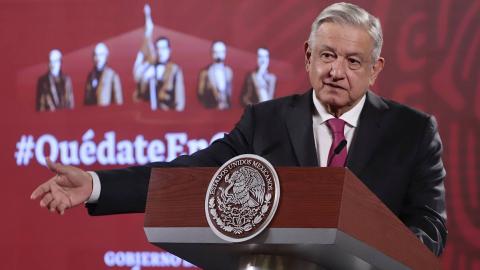 AMLO desobedece al INE e invita a votar en la consulta contra expresidentes