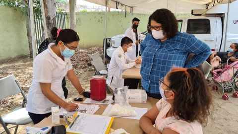Vacunación anti-covid 19 en Mexicali y Ensenada
