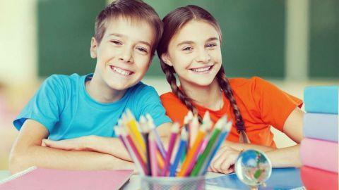 Escuela recomienda no usar 'papá' ni 'mamá' para evitar discriminación