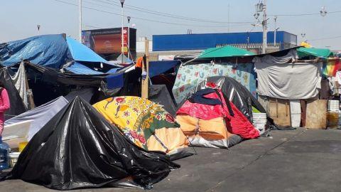 Estamos desesperadas claman madres que viven en el campamento Chaparral