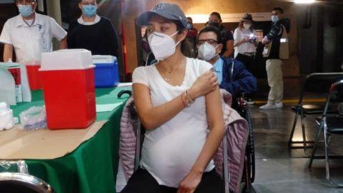 Embarazadas no vacunadas son más propensas a ser hospitalizadas por COVID-19