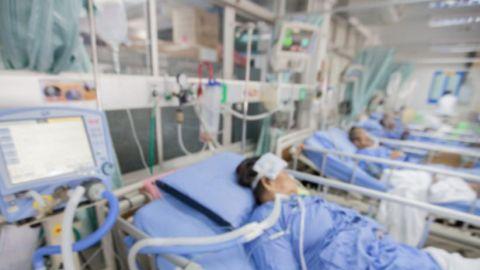Florida: Por variante Delta, hospitales instalan camas en auditorios