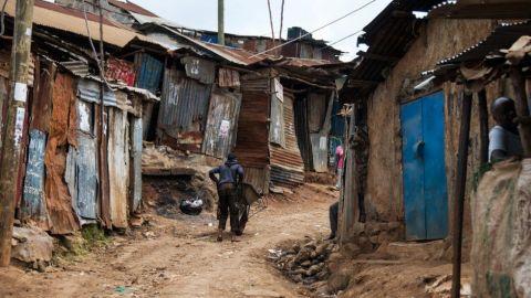Crece pobreza en México; hay 3.8 millones más en esta condición: Coneval