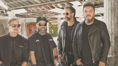 Molotov arma fiesta con fans y con ''canciones no permitidas''