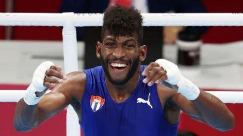 Andy Cruz, de Cuba, ganó el oro en peso ligero ante el estadounidense Davis