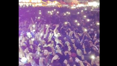 🎥 Varios miles en plena ola de contagios cantando pegaditos en Feria Rosarito