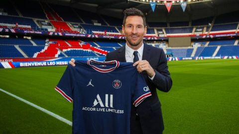 Oficialmente Lionel Messi es nuevo jugador del PSG; portará el dorsal 30