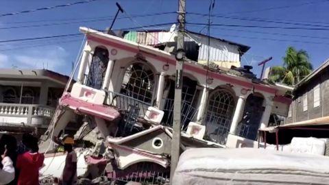 Vas más de 300 muertos tras terremoto de magnitud 7,2 en Haití