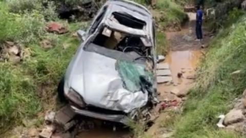 Mueren tres niños arrastrados por arroyo en Sonora