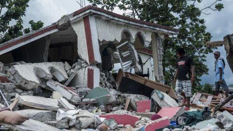Se eleva a más de 2 mil la cifra de muertos por sismo en Haití