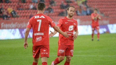 Despiden a futbolista y amonestan a 10 tras montar orgía en estadio de Noruega