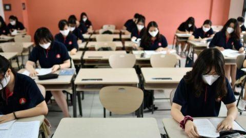 Cancelan clases presenciales tras aumento en casos de Covid
