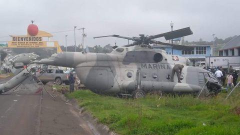 Cae helicópero de la Marina en La Huasteca; hay lesionados
