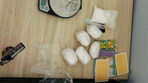 Pegan federales a ''búnker'', con drogas y armas