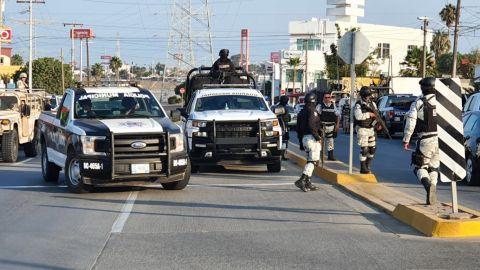 Toma Ejército huelas dactilares a policías de Rosarito