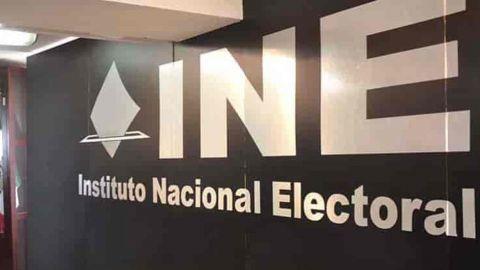 INE prohíbe que partidos soliciten revocación de mandato y recauden firmas