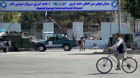 Terrorista suicida es el responsable del atentado en Kabul, señala El Pentágono