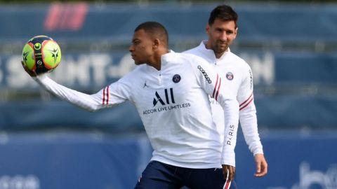 Messi, inició de suplente en el PSG mientras que Mbappé entró como titular