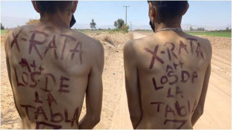 Grupo armado 'levanta' y desnuda a dos jóvenes; los acusan de ladrones
