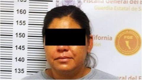 Detienen a mujer por violencia doméstica a su esposo en Mexicali