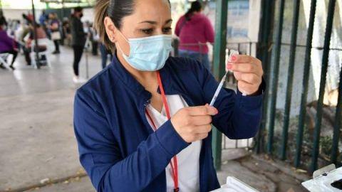 Este jueves continúa la jornada de vacunación anticovid en IMOS