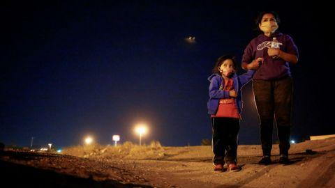 Estados Unidos extiende la exención de deportación para inmigrantes de 6 países