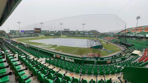 Cancelan cuarto juego entre Toros y Leones por fuertes lluvias en Mérida