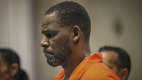 R. Kelly decide no declarar en juicio por tráfico sexual
