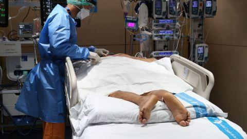 Reportan pacientes intubados con esquema completo de vacunación en BC