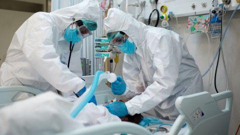Van 8 pacientes intubados por COVID-19 con esquema completo en Baja California