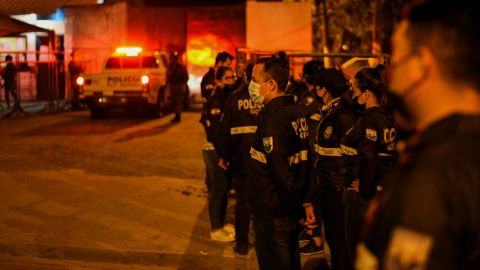 Más 100 reos mueren durante motín en penal de Ecuador