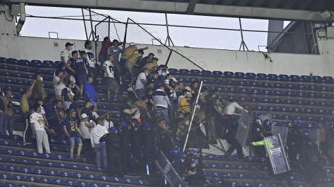 🎥 Pelea campal entre aficionados de Pumas y América