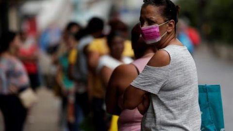 Los no vacunados nos vemos en el hospital, dice Secretario de Salud