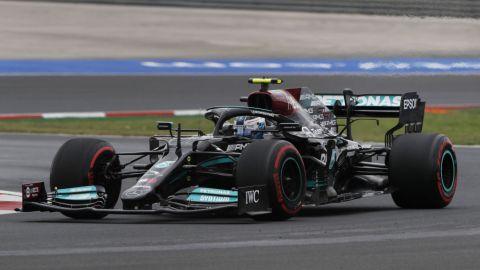 Hamilton es el más rápido, pero Bottas se gana la pole en Gran Premio de Turquía