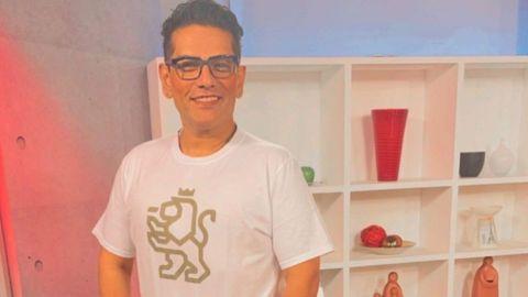 Actor se tatúa el nuevo logo del Gobierno de Nuevo León de Samuel García