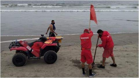 De nuevo, alertan por playas cerradas en Ensenada
