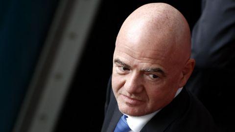 """Presidente FIFA dice """"no siempre"""" partidos se deciden en el campo"""