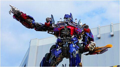 'Optimus Prime' choca con carro en Perú y se da a la fuga