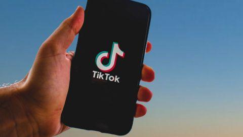 Investigan muerte por ahogamiento de dos niñas; sospechan de reto de TikTok
